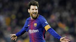 1. Lionel Messi (Barcelona) - 7,3 juta pound (Rp 131,8 miliar). (AFP/Lluis Gene)