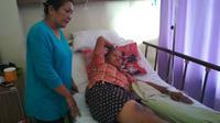 Kondisi kesehatan Ade warga Cirebon yang tersambar petir pada akhir pekan lalu semakin membaik. Foto : (Liputan6.com / Panji Prayitno)