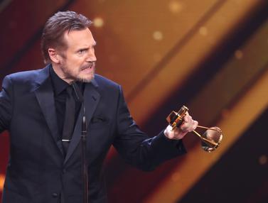 Aktor AS Liam Neeson Raih Penghargaan di Golden Camera