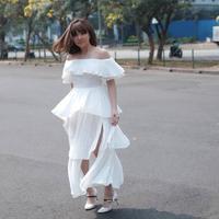 Gisella Anastasia dengan pakaian feminin. (Instagram/gisel_la).