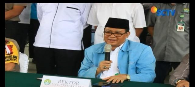 Polda Riau memastikan ketiganya terkait jaringan teroris JAD. Jenis bom punya kesamaan dengan bom Surabaya.