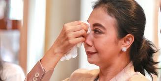 Banyak pesan moral yang diberikan dalam film Keluarga Cemara. Film yang diangkat dari sinetron yang sukses tahun 1990-an itu membuatnya menangis saat membaca skenario. (Adrian Putra/Bintang.com)