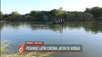 Sebelum pesawat latih Cessna jatuh di sungai, pilot diduga hendak mendarat darurat.