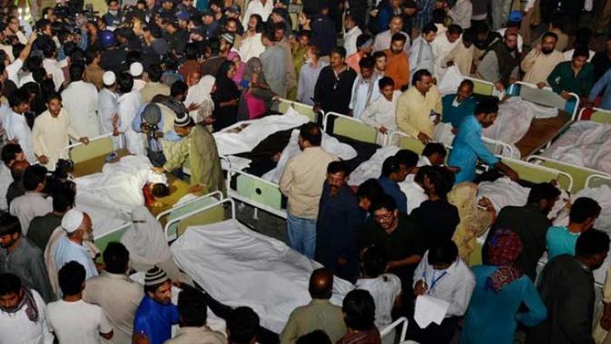 45 orang meninggal akibat ledakan di perbatasan India-Pakistan (AFP Photo)