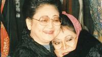 Tutut Soeharto kembali mengunggah potret kenangannya bersama ibunya, Tien Soeharto (Dok.Instagram/@tututsoeharto/https://www.instagram.com/p/B_kp3ecjK-g/Komarudin)