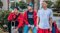Lihat di sini kesamaan dari tampilan street style dari keseharian keempat sosok yang akan tampil di Closing Ceremony Asian Games 2018. Sumber foto: Instagram Ran.