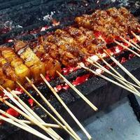 Heboh pemberitaan Nasi Uduk Babi Buncit, sudah pernah makan di 9 restoran pork hits ini belum?