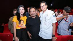"""""""Alur ceritanya bagus dan menurut saya sangat layak untuk ditonton seluruh warga Jakarta,"""" kata Sandiaga Uno usai menyaksikan film Benyamin: Biang Kerok. (Adrian Putra/Bintang.com)"""