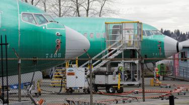Dua Boeing 737 MAX 8 terparkir di fasilitas produksi Boeing di Renton, Washington, 11 Maret 2019. Negara-negara besar Eropa mengikuti jejak negara lain menangguhkan pesawat Boeing 737 MAX 8 setelah kecelakaan maut Ethiopian Airlines. (REUTERS/David Ryder)