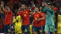 Sergio Ramos sebagai kapten Timnas Spanyol berhasil membawa Tim Matador naik ke posisi 7 dengan 1.617 poin dalam daftar yang baru saja dirilis FIFA. (AFP/Pierre-Philippe Marcou)