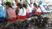 Sejumlah faktor menjadi sebab kenapa tingkat minat baca masyarakat Indonesia tergolong rendah. (Liputan6.com/Rajana K)