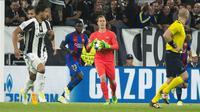 Rio Ferdinand dan Steven Gerrard menilai Marc-Andre Ter Stegen dan Samuel Umtiti belum menunjukkan kualitas yang pantas sebagai pemain Barcelona. (doc. Barcelona)
