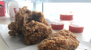 KFC Indonesia menghadirkan menu terbarunya, KFC Hotz Chicken, yaitu menu ayam Hot & Crispy Chicken.