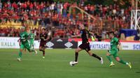 Duel PSM vs Bhayangkara FC di Stadion Andi Mattalatta Mattoangin, Makassar, Senin malam (20/5/2019). (Bola.com/Abdi Satria)