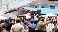 Wali Kota Manado GS Vicky Lumentut kembali melakukan sosialisasi AKB terhadap ribuan pedagang dan pembeli di Pasar Bersehati.