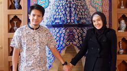 Penampilannya sendiri pun berubah, ia memutuskan untuk tampil dengan mengenakan hijab. Kehidupan rumah tangganya pun jauh dari kabar miring. (Foto: instagram.com/dimasseto_1)