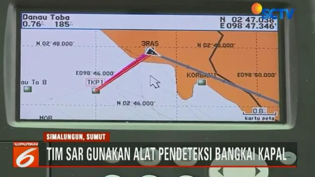 Penggunaan alat sonar karena sebagian besar korban masih terperangkap di dalam Kapal Motor Sinar Bangun.
