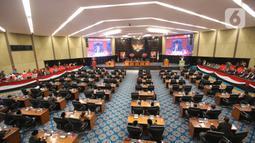 Suasana Rapat Paripurna di Gedung DPRD DKI Jakarta, Rabu (19/2/2020). DPRD DKI Jakarta mengesahkan Tata Tertib (Tatib) DPRD DKI Jakarta. (Liputan6.com/Angga Yuniar)