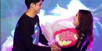 Sering kali Aliando Syarief dan Prilly Latuconsina 'dijodohkan'. Tidak sedikit pula fans keduanya mendukung pacaran artis yang melejit berkat sinetron Ganteng Ganteng Serigala. (Instagram)