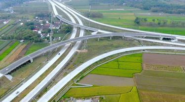 Kementerian PUPR berupaya untuk menyelesaikan pembangunan Jalan Tol Trans Jawa dari Merak - Banyuwangi sepanjang 1.150 Km pada akhir tahun 2019. (Dok Kementerian PUPR)