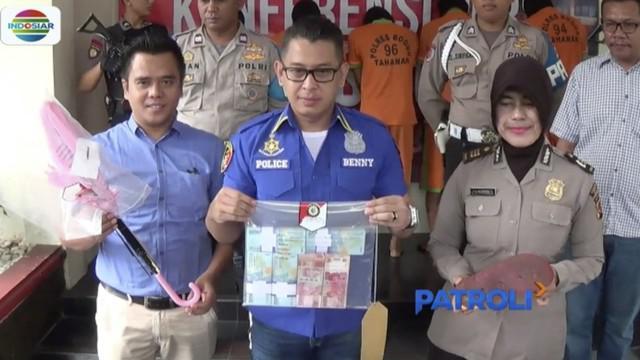 Seorang caleg daerah pilihan luar Pulau Jawa diringkus polisi lantaran terlibat aksi perampokan uang nasabah bank di Bogor, Jawa Barat.