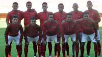Timnas Indonesia U-19 berfoto sebelum melawan Filipina pada laga persahabatan di Stadion Maguwoharjo, Sleman, Yogyakarta, Jumat (19/8/2016). (Bola.com/Romi Syahputra)