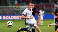Andrea Conti merupakan pilar utama AC Milan di sisi kanan pertahanan. Pemain 24 tahun tersebut menderta cedera kambuhan pada bulan september tahun lalu. (AFP/Carlo Herman)