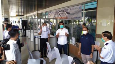 Pelabuhan Tanjung Perak memberlakukan tes Genose. (Dian Kurniawan/Liputan6.com)