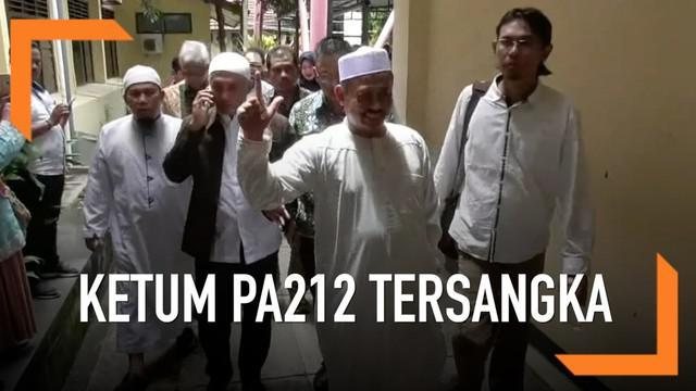 Ketua Umum Persaudaraan Alumni 212 Slamet Ma'arif ditetapkan sebagai tersangka dalam kasus dugaan pelanggaran pemilu.
