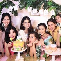 Nabila Syakieb merayakan baby shower menjelang persalinannya (Instagram/@nsyakieb85)