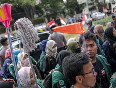BEM se-Indonesia Geruduk Gedung KPU