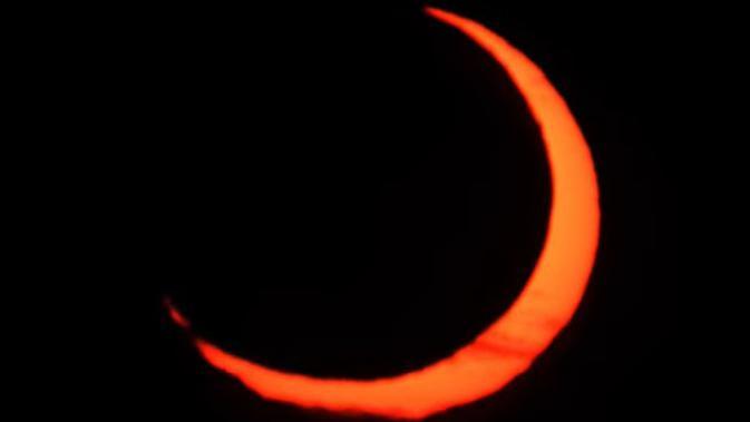 Gerhana Matahari Cincin 10 Juni 2021 di atas langit Kanada bagian utara dan Arktik (NASA)