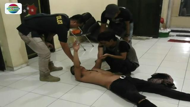 Dua pemuda mengamuk tak terima ditegur pedagang pasar tumpah Balaraja, Tangerang, karena mengebut saat mengendarai sepeda motor di malam takbiran.
