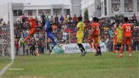 Semen Padang saat bertemu Aceh United (PT Liga Indonesia Baru)