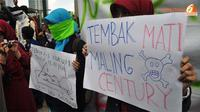 Demo yang dilakukan mahasiswa kali ini menuntut KPK bisa mengungkap dan menghukum pelaku kasus Bank Century.(Liputan 6.com/Danu Baharuddin)