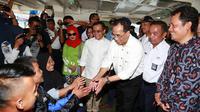 Menteri Perhubungan (Menhub) Budi Karya Sumadi melakukan kunjungan kerja ke Kabupaten Banyuwangi di Jawa Timur. (Liputan6.com/Dian Kurniawan)