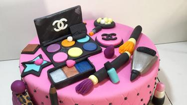 8 Inspirasi Kue Super Cantik Untuk Penggemar Make Up Dan Kosmetik Fimela Fimela Com