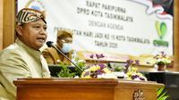 Wakil Gubernur Jabar Uu Ruzhanul Ulum menghadiri Rapat Paripurna DPRD Kota Tasikmalaya dengan agenda Peringatan Hari Jadi ke-19 Kota Tasikmalaya, di Gedung DPRD Kota Tasikmalaya, Jumat (16/10/20). (Foto: Humas Jabar)
