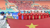 Timnas Vietnam U-23 jelang melawan Korea Selatan pada semifinal Asian Games 2018 di Stadion Pakansari, Cibinong, Bogor, Rabu (29/8/2018). (Bola.com/Dok. INASGOC)