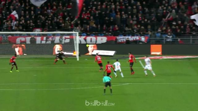 Marseille jaga peluang untuk tetap berlomba dalam perebutan gelar Liga Prancis musim ini dengan mengalahkan tuan rumah Rennes 3-0,...