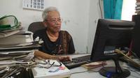 Budayawan Cirebon Nurdin M Noer mengaku sebagian besar masyarakat Pantura Jawa Barat malu menggunakan bahas Cirebon