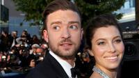 Momen yang jarang dilakukan, Justin Timberlake memamerkan foto mesranya bersama sang istri di media sosial (AP Photo)