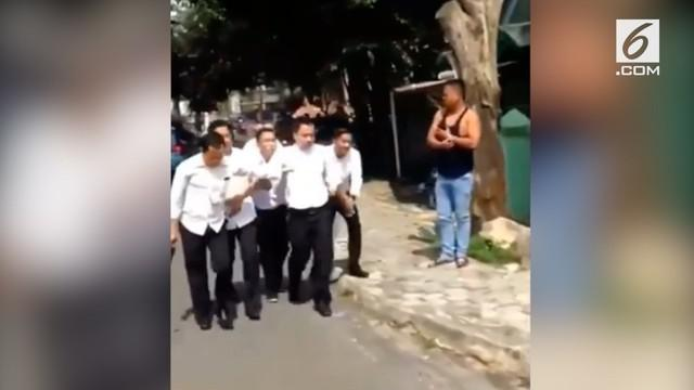 Rekaman video detik-detik penangkapan pegawai pajak yang terkena OTT di Bangka Belitung.