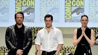 Ben Affleck, Henry Cavill & Gal Gadot, pemeran utama film 'Batman v Superman: Dawn of Justice'. (AFP/Bintang.com)