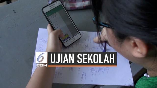 Ujian kenaikan kelas di SMA Maitreyawira, Batam menggunakan sistem android. Siswa mengerjakan soal ujian gunakan ponsel pribadi mereka. Cara ini diklaim hemat dari segi biaya dan waktu.