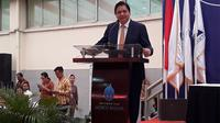 Menteri Perindustrian Airlangga Hartarto saat memberikan kuliah umumnya di Universitas Mercu Buana, Senin (4/8/2017). Liputan6.com/ Pramita Tristiawati