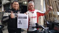 Eks penjaga gawang Pelita Solo dan Timnas Indonesia, Listianto Raharjo saat menyambangi rumah lahirnya Pasoepati di Nusukan, Solo, Senin (22/6/2020). (Bola.com/Vincentius Atmaja)