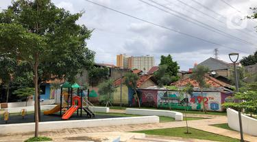 Suasana Taman Maju Bersama (TMB) Assakinah di kawasan Kebagusan, Jakarta, Kamis (27/2/2020). Gubernur DKI Jakarta Anies Baswedan akan membangun 200 TMB hingga tahun 2022 untuk memenuhi target 30 persen ruang terbuka hijau (RTH) di wilayah Ibu Kota. (Liputan6.com/Immanuel Antonius)