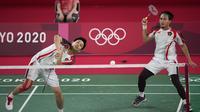 Di gim ketiga, Hendra/Ahsan kembali memberi tekanan pada pasangan Korea hingga unggul 11-7 di interval gim ketiga. Sempat memberikan perlawanan, Choi Sol Gyu/Seo Seung Jae mampu menyamakan poin 16-16, hingga akhirnya takluk 18-21. (Foto: AP/Markus Schreiber)