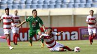 Madura United meraih kemenangan 2-1 atas PSS Sleman pada laga pertama Grup C Piala Menpora 2021 di di Stadion Si Jalak Harupat, Bandung, Selasa sore (23/3/2021). (Bola.com/Muhammad Iqbal Ichsan)